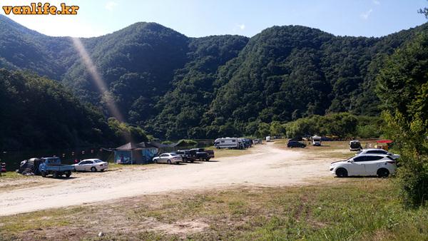 캠핑클럽 용담섬바위